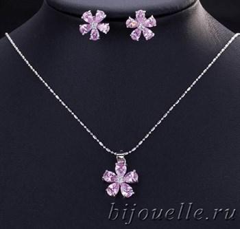 """Набор кулон на цепочке 43 см и пусеты """"Розовый цветок"""" с розовым камнем кубического циркония (1,4*1,4 см), покрытие серебро - фото 5390"""