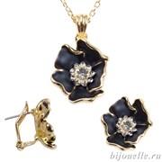 Комплект: кулон, серьги с кристаллами Swarovski и черной эмалью, покрытие: золото